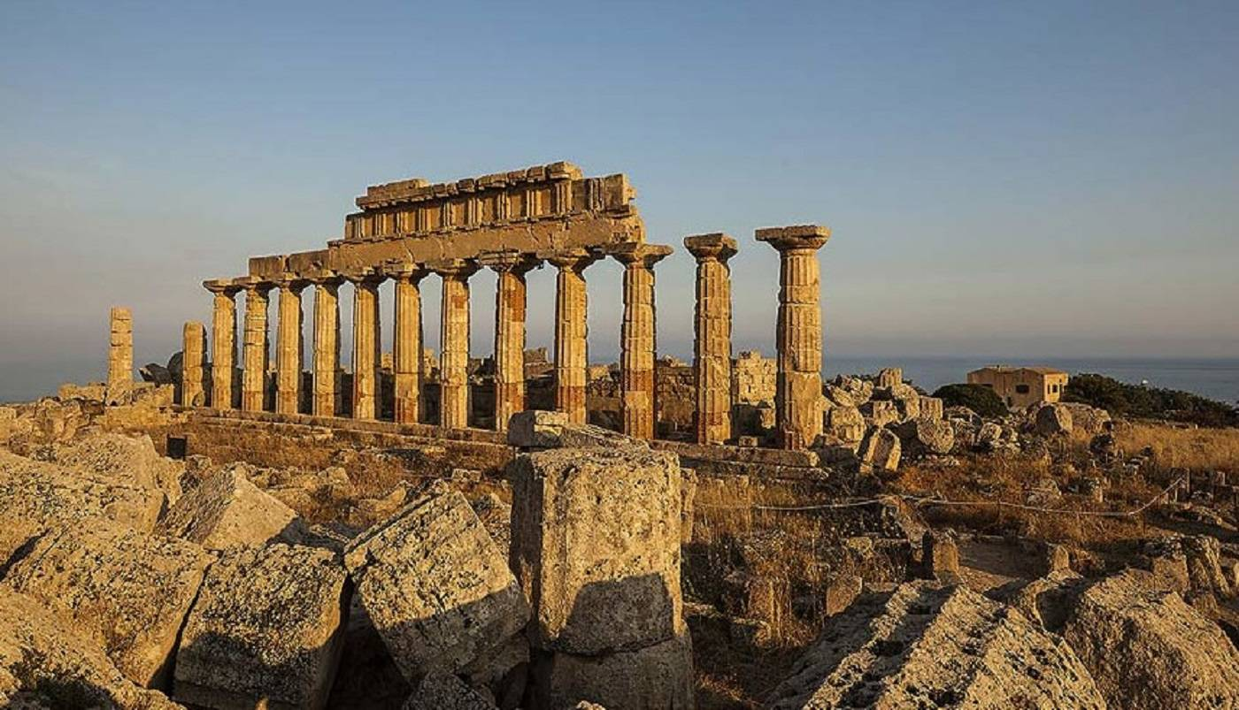 Selinunte was first excavated in the early 19th-century. When Rahl' al'Asnam arrived here named Selinunte as the village of columns..